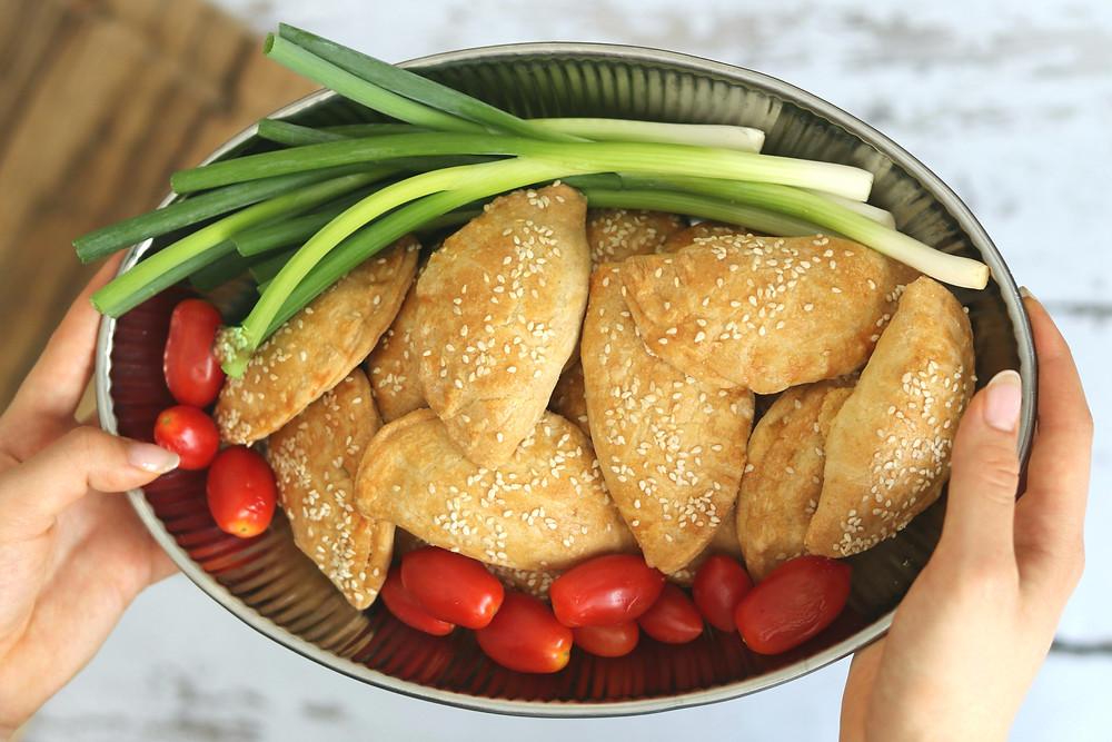 סמבוסק משאריות חם וטרי ישר מהתנור