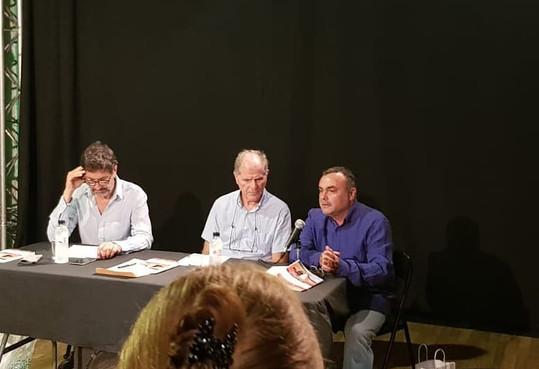 El Manel Codina i el Lluís Cerarols inauguraren la temporada amb la presentació del seu llibre 'Camí del mar'
