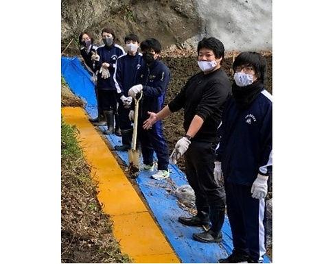 学校名:神奈川県立横須賀高等学校
