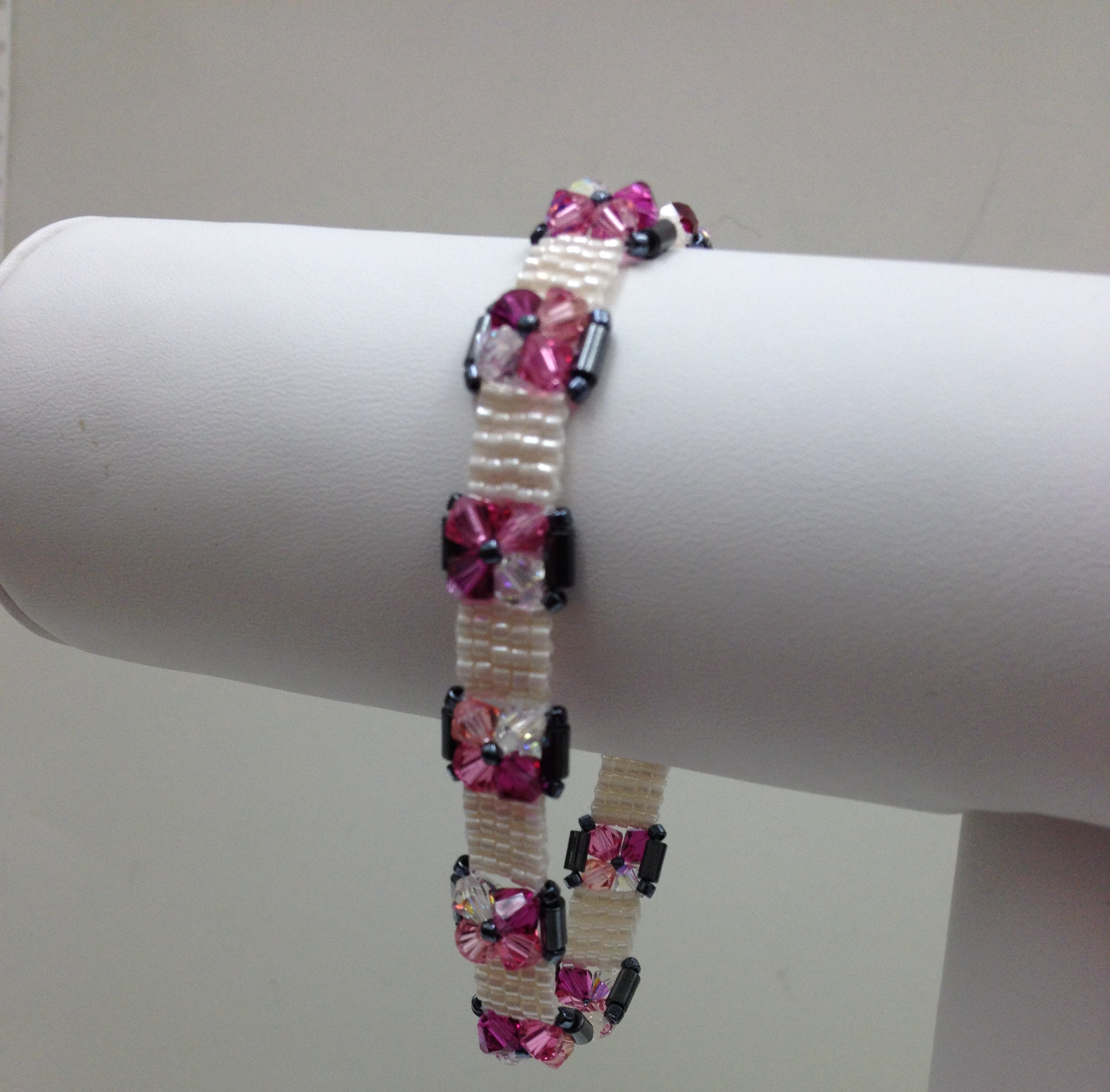 Crystal and Squares Bracelet pink hang Paula Binner