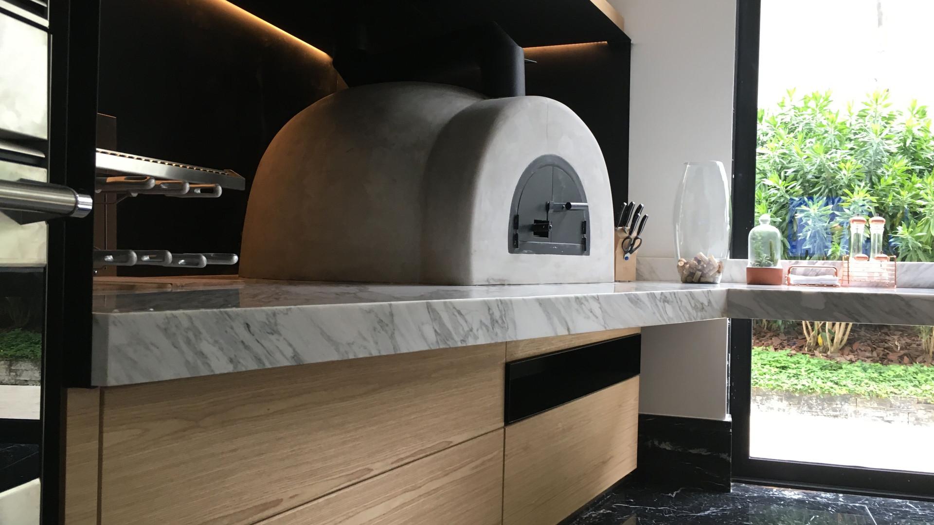 forno a lenha de marmore italiano
