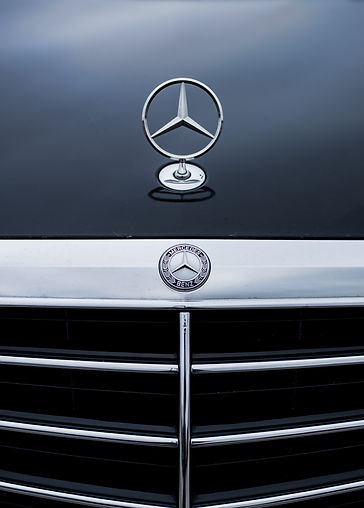 Mercedes E350 grille and emblem.