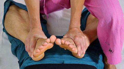thai yoga massage feet