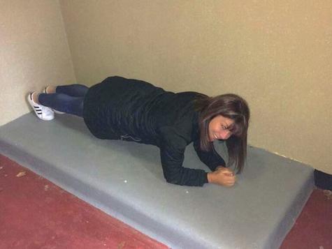 Prisoner Plank