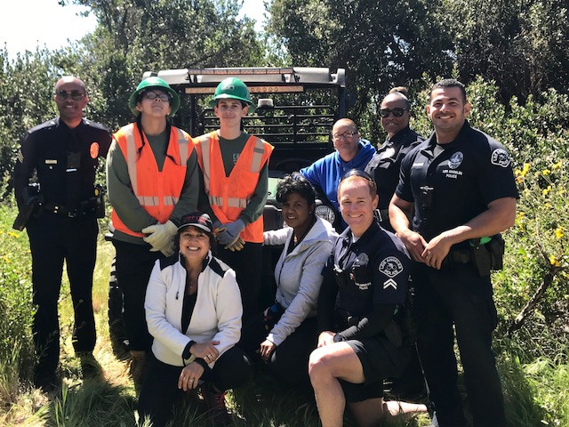 Palisades News Covers April Cleanup