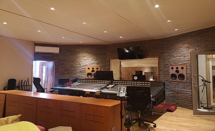 Regie 77 Sound Studio.jpg