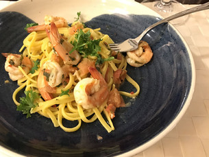 Linguine with Prawns and Saffron