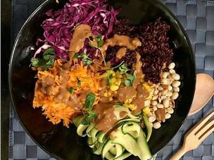 Peanut, Black rice and Veggies Salad