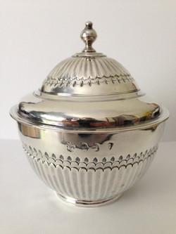 Queen Anne Covered Tea Bowl