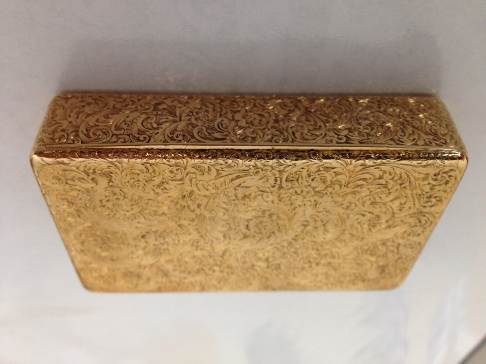 John Linnit 18ct gold snuff box