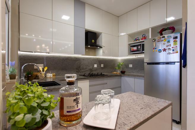 Apartment 1 - 07.jpg