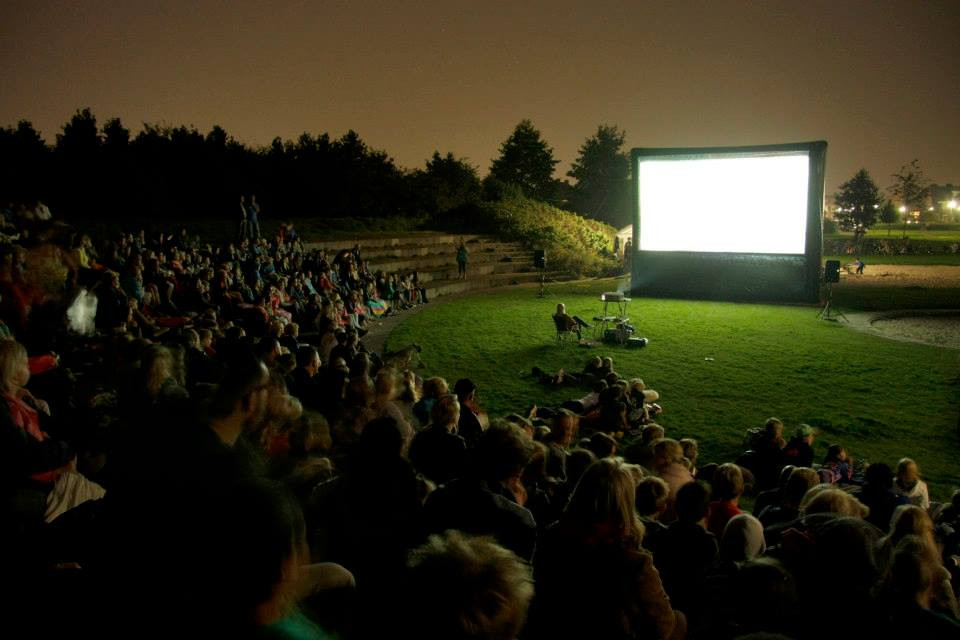 travelling-cinema-with-inflatable-movie-