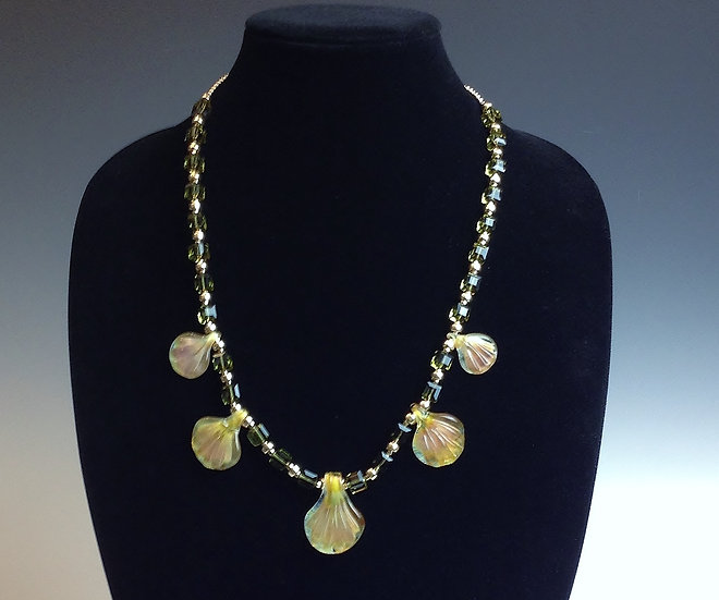Scallop Shells Necklace and Earrings Set
