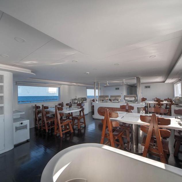 Restaurant-main-deck-09.jpg