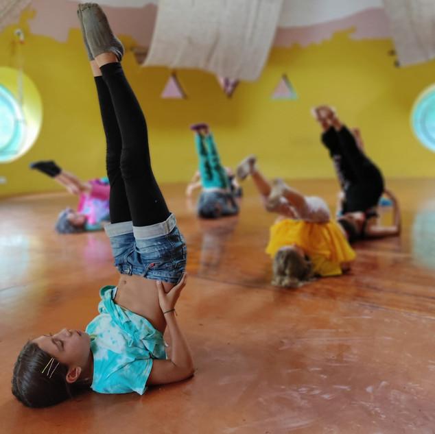 Lotus 2020 Yoga para crianças.jpeg