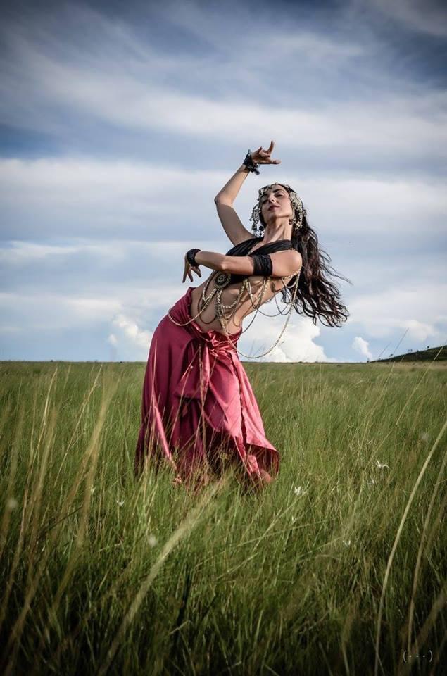 Ambar Yanina Tribal Brasil