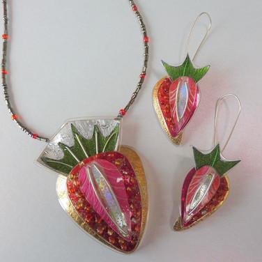 strawberry jewellery price guide £54- £62