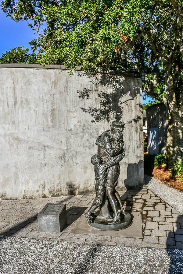 naval statue riverfront park