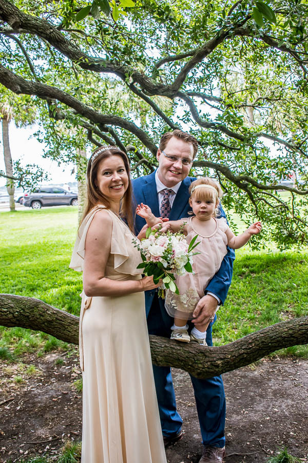 family photos with low tree branch charleston