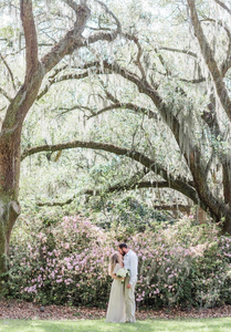 spring elopement mossy oaks and azaleas