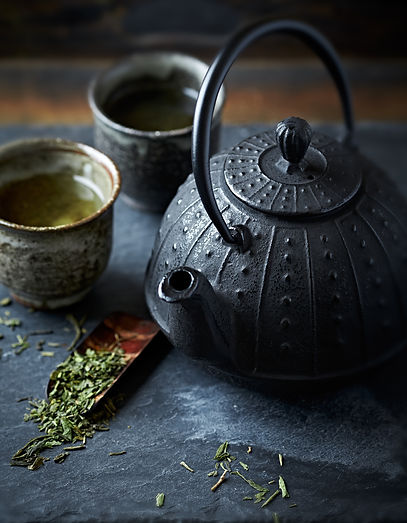 Tea pot and green tea