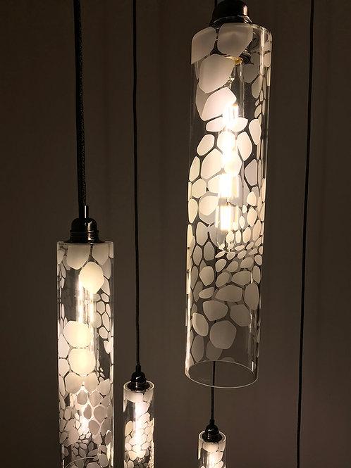 Luminaire décoratif en plexiglas sablé motif organique
