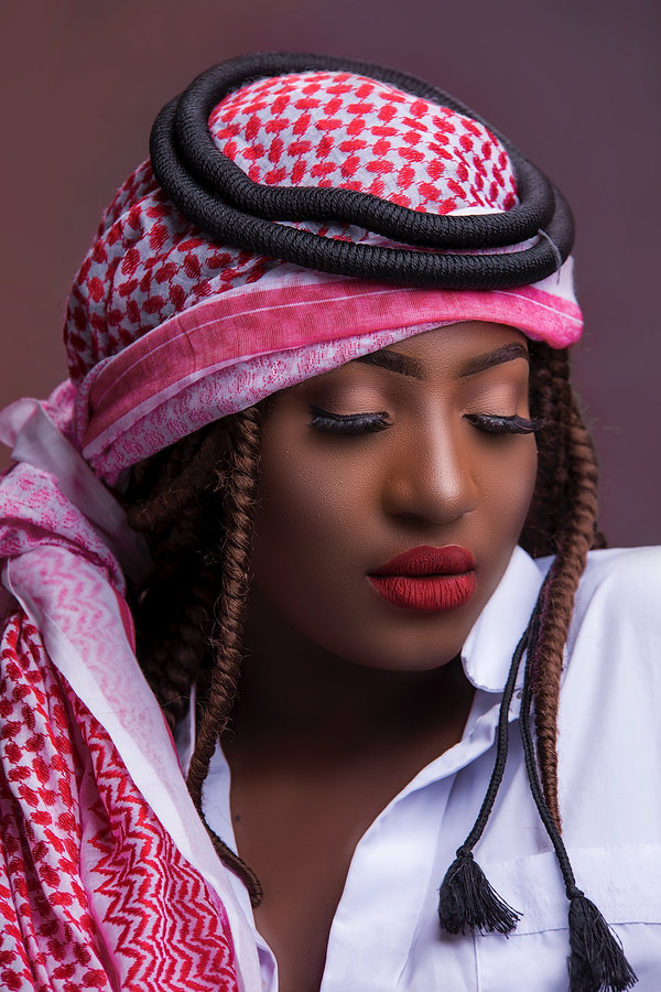 woman-wearing-red-white-and-black-keffiy