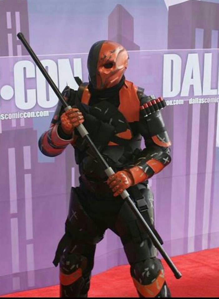 Deathstroke helmet at Comic Con