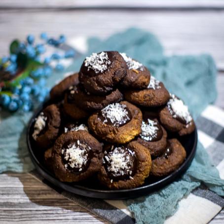Grikių, pilno grūdo kvietinių miltų ir lazdyno riešutų sausainiai