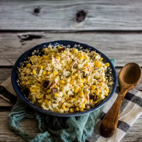 Kiaušinių, duonos ir kukurūzų mišrainė