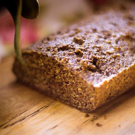 Naminė juoda mielinė duona be miltų (nuo 4 metų)
