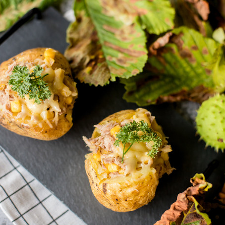 Orkaitėje keptos bulvės su tunu