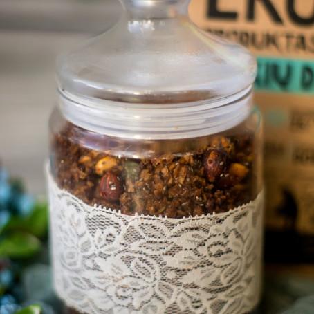 Grikių dribsnių granola