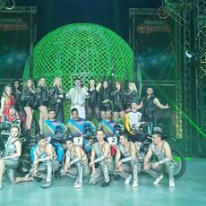 thumbnail_circus team.jpg