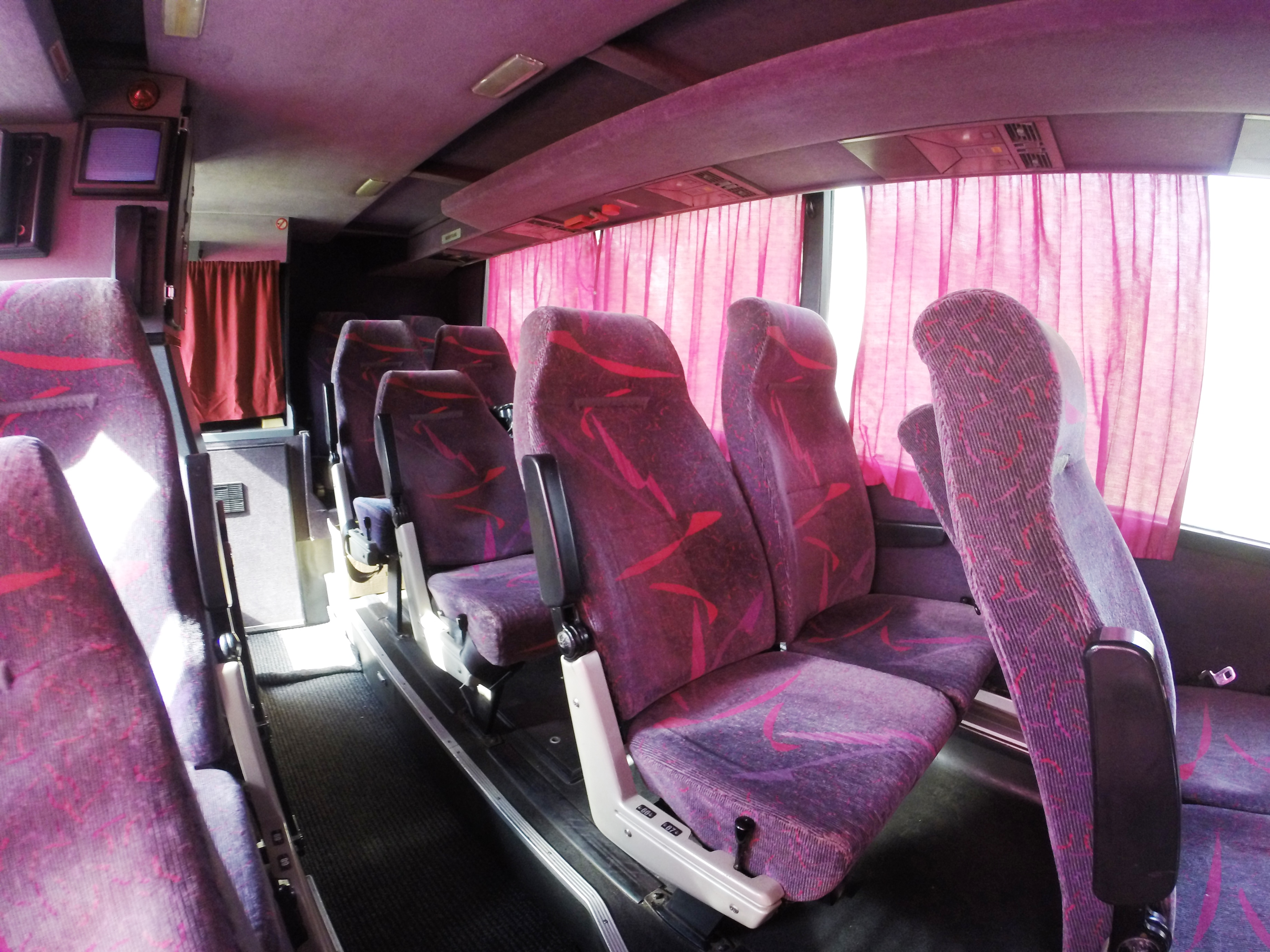 Туристический автобус Ванхол 75 мест