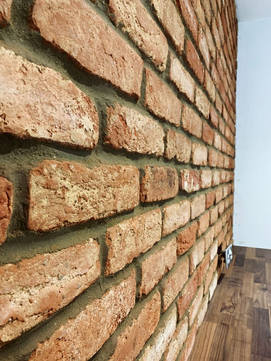 Brick slip wall EcoBuilders.Green