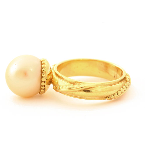 South Sea Pearl Ring in 18k Gold