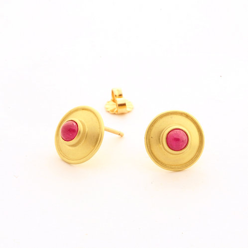 Ruby Cabochon Earrings in 18k Gold.