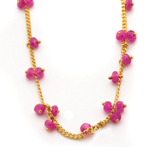 18k Gold Curb Chain with Pink Sapphire.