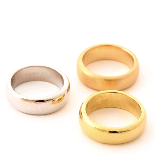 Sanna Comfort Fit Bands in 14k Gold, 18k Gold and Platinum.