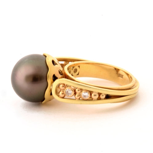 Tahitian Pearl Ring in 18k Gold