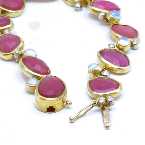 Pink Sapphire, Moonstone and Diamonds Bracelet in 18k Gold