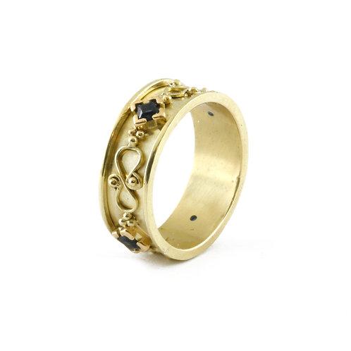 Blue Sapphire and 18k filigree Lynn ring