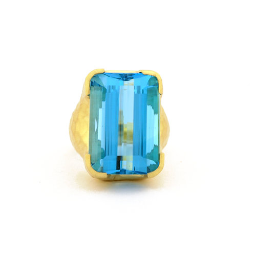32 carat Blue Topaz Ring set in Matte 18k Gold
