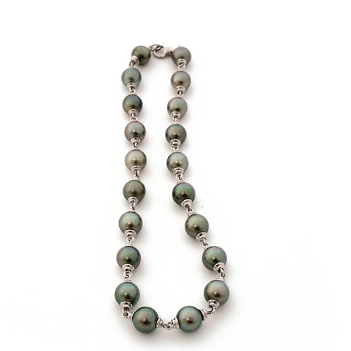 Tahitian Pearl Necklace in Platinum. Greenish Black, 10-11mm  Pearls.