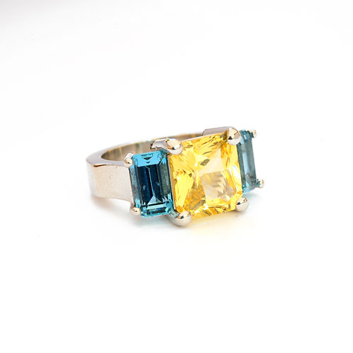 6.53 Carat Yellow Sapphire and 3.19 ctw Aquamarine Ring Set in Platinum.