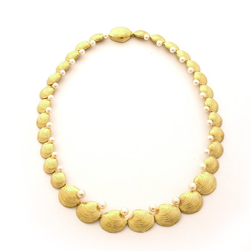 18K Clam Shell Necklace with Akoya Pearls.