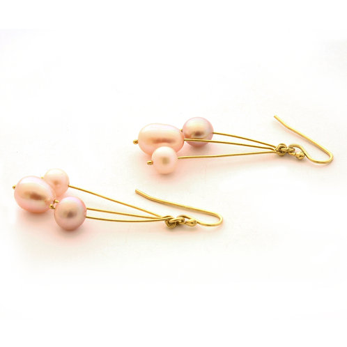 18K Gold and Freshwater Pearl Drop Earrings.