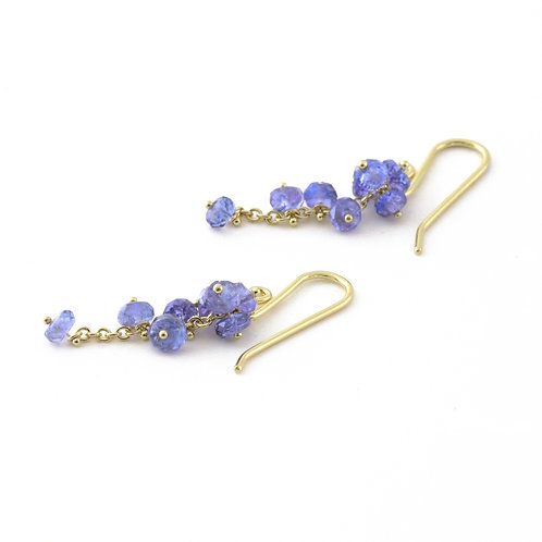 Tanzanite Cluster Earrings in 18k Gold.