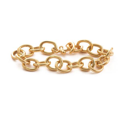 Anchor bracelet in 14k.